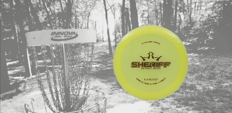Disc golf discs that fly straight